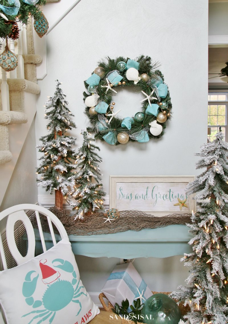 gorgeous beach themed wreath