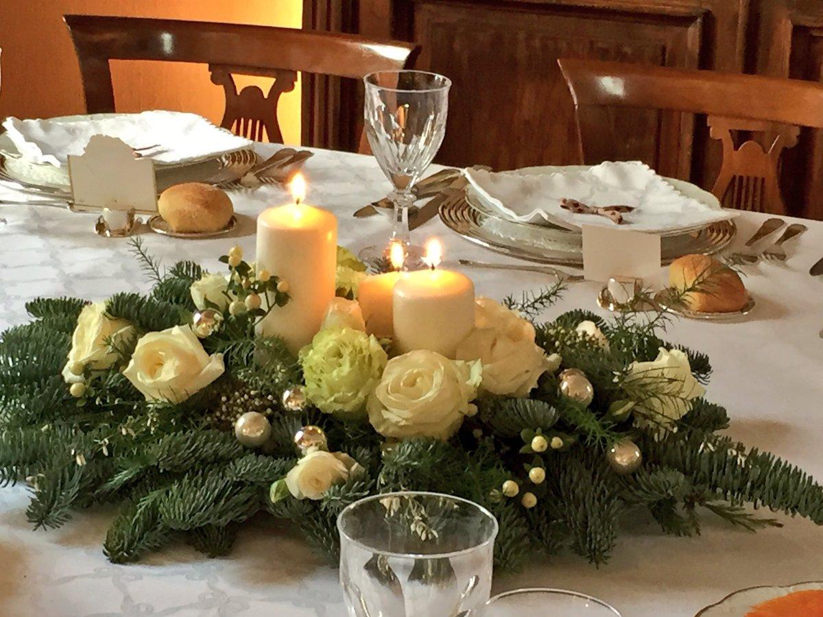 50 Lovely Christmas Wedding Centerpiece Ideas For Your Dream