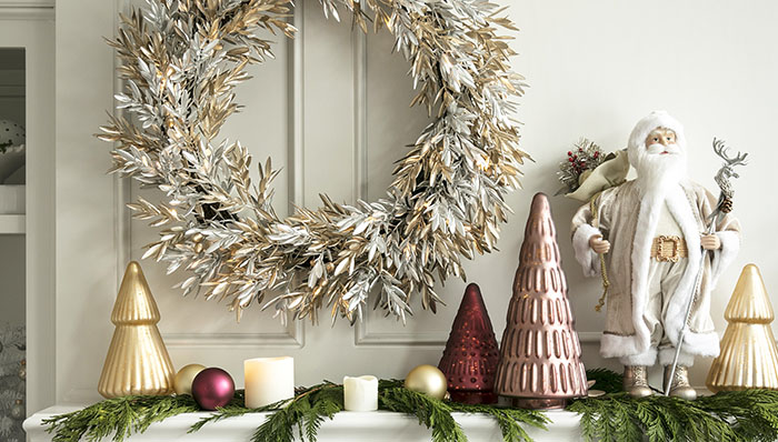 50 Brilliant Gold Christmas Decorations For An Elegant And