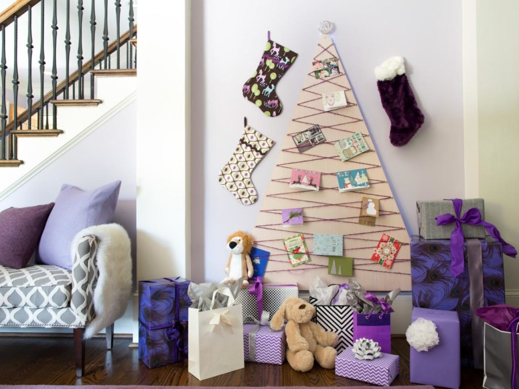55 Classic Modern Christmas Tree Decors For The Ones Who Love Charming Others