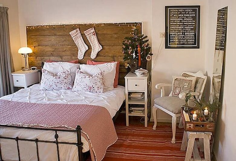 scandinavian christmas bedroom - Christmas Bedroom Decor Ideas