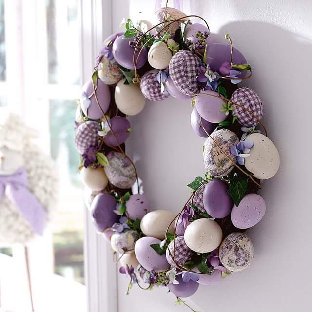 Light Plum Egg Wreath Designing