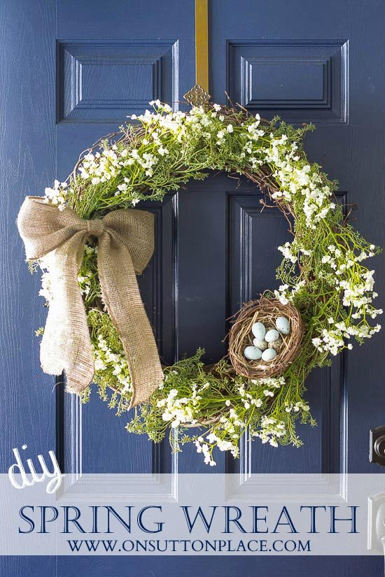 A bird Spring Wreath