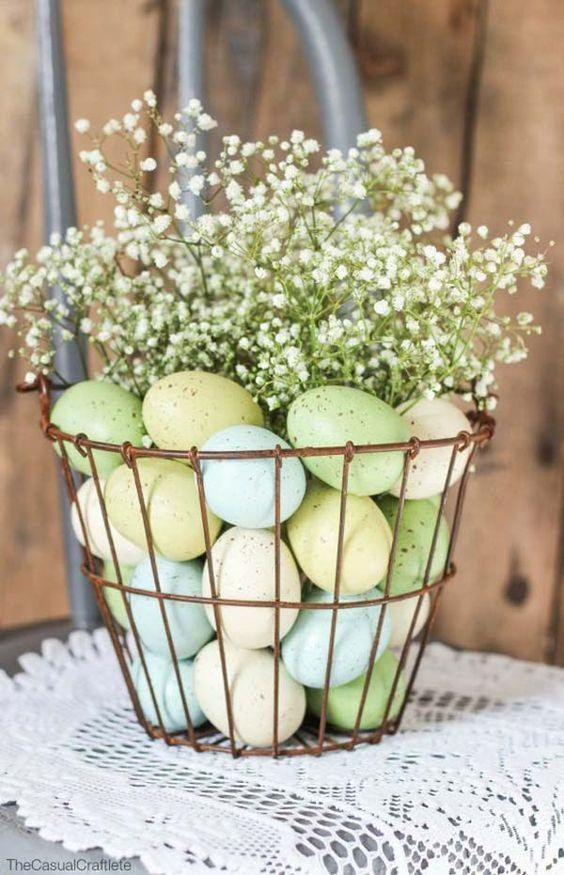 Easy-to-Make Easter Tablescapes