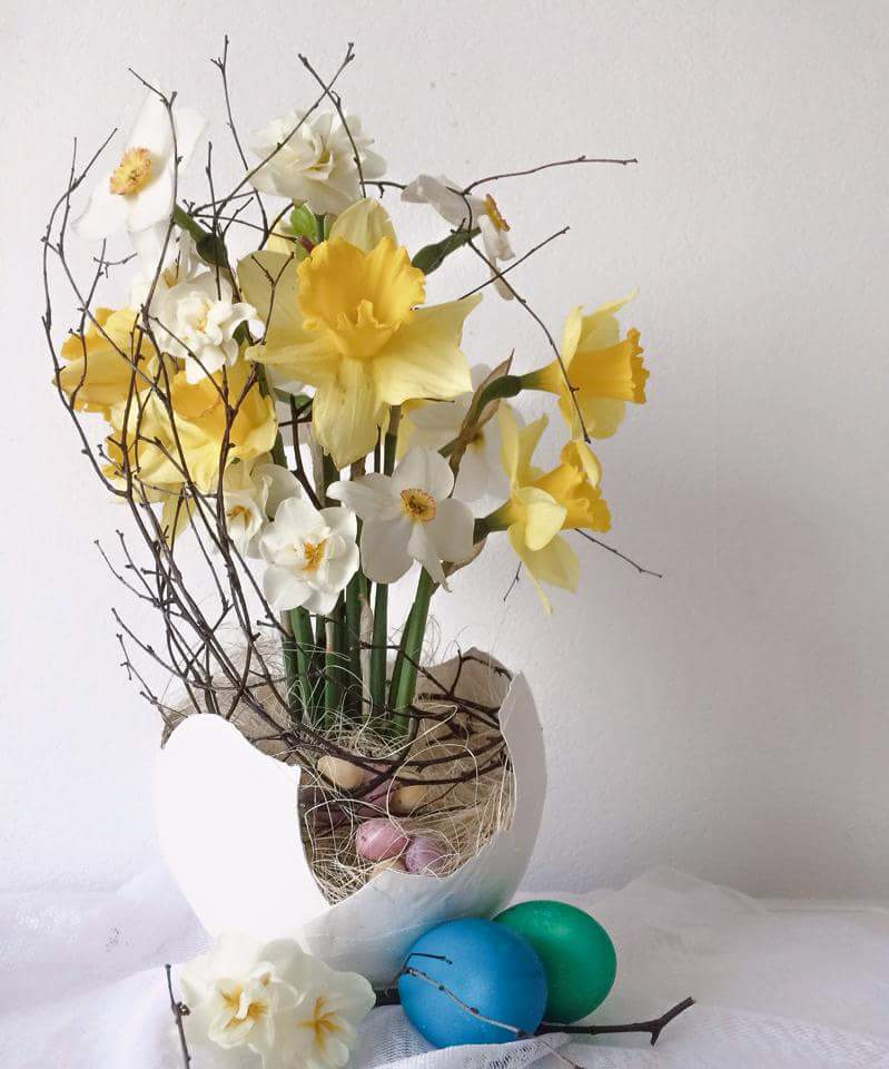 Yellow And White Flower With Easter Look