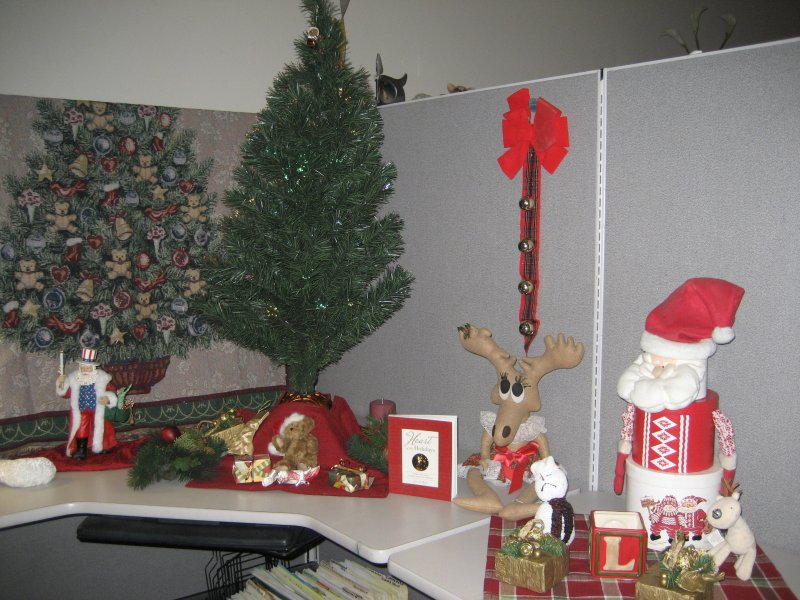 office decoration ideas christmas themes ideas decorating office - Christmas Decoration Ideas For Office