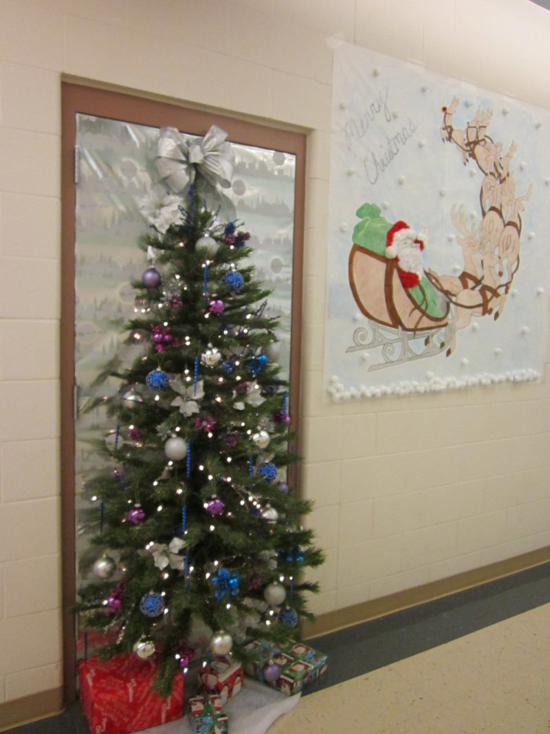 christmas office decoration ideas. #Christmas #Office #Decoration #Ideas Fantastic Christmas Ideas X Mas Decoration Office
