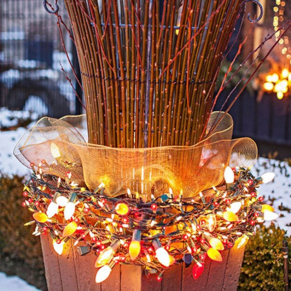 45 best diy outdoor christmas decorations ideas detectview let it glow aloadofball Images