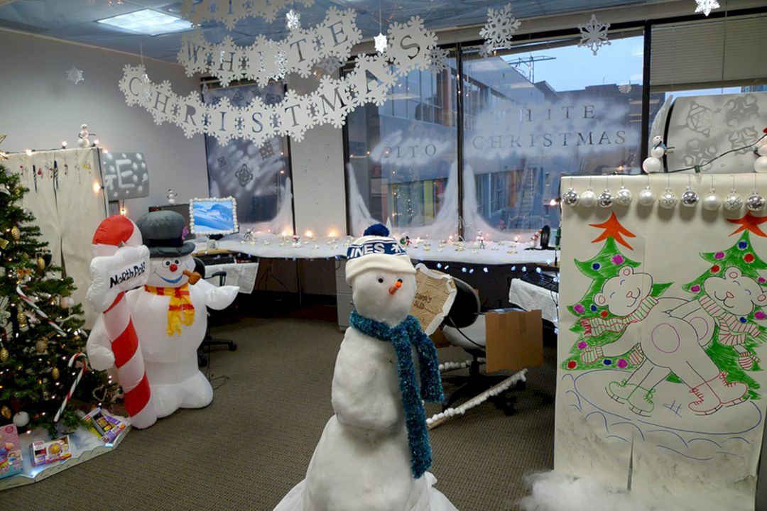 Unique Winter Wonderland Office Decorating Ideas