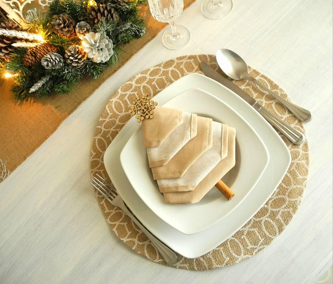17 fold a napkin into a christmas tree pic source